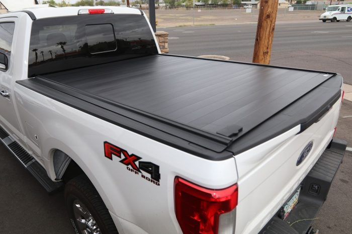 FORD SUPER DUTY RETRAXPRO MX 80383 RETRACTABLE TONNEAU COVER