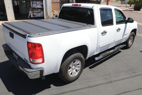 SILVERADO BAKFLIP MX4 TRUCK BED COVER