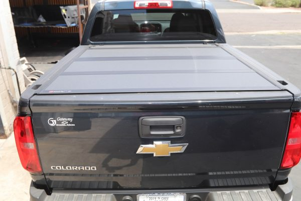 bakflip mx4 hard folding truck bed cover on chevy colorado