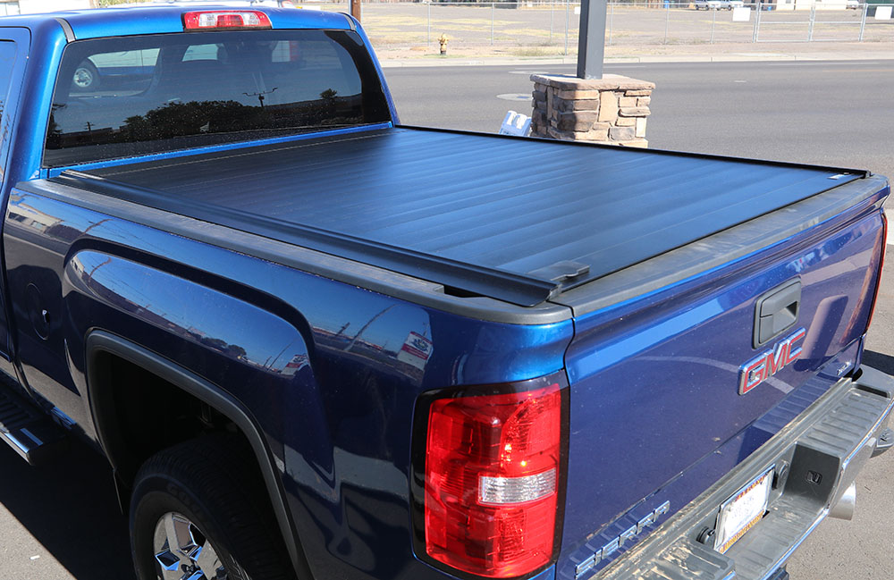 GMC Sierra RetraxPRO MX Retractable Tonneau Cover