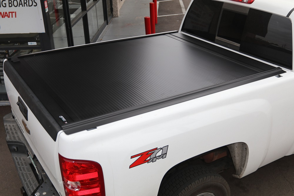 CHEVY RETRAXONE MX TRUCK BED COVER