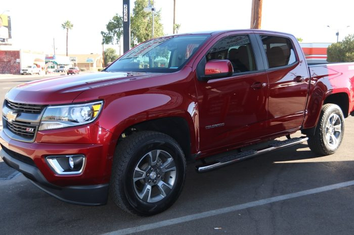 CHEVY COLORADO CREW CAB 4 INCH OVAL NERF BARS