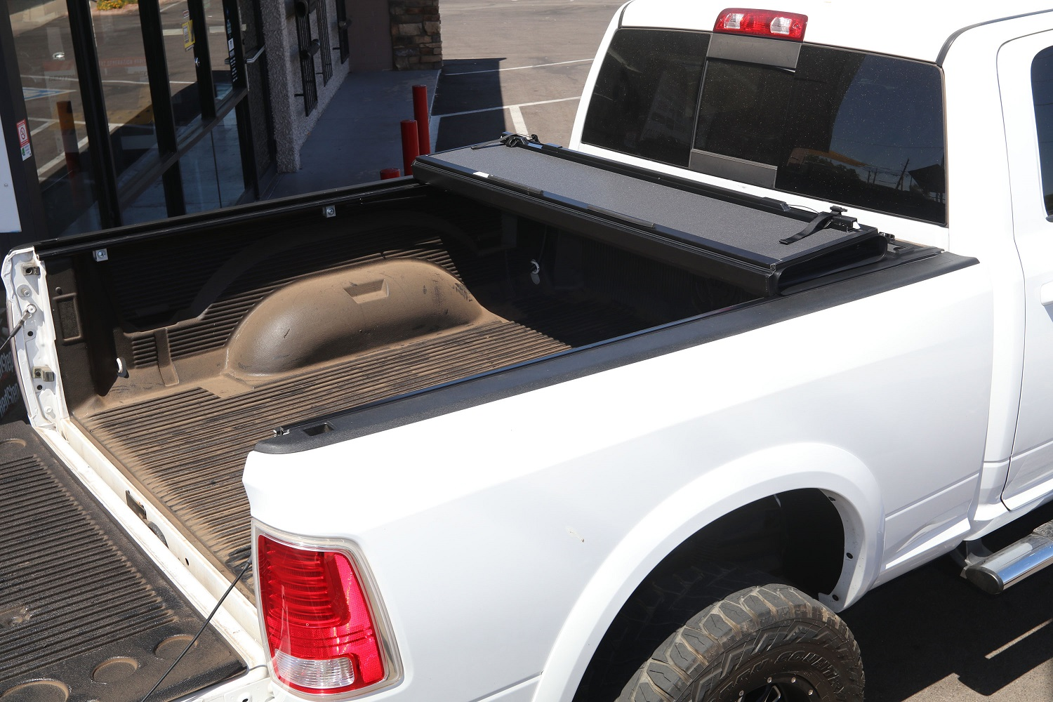 RAM BAKFLIP MX4 Hard Folding Truck Bed Cover