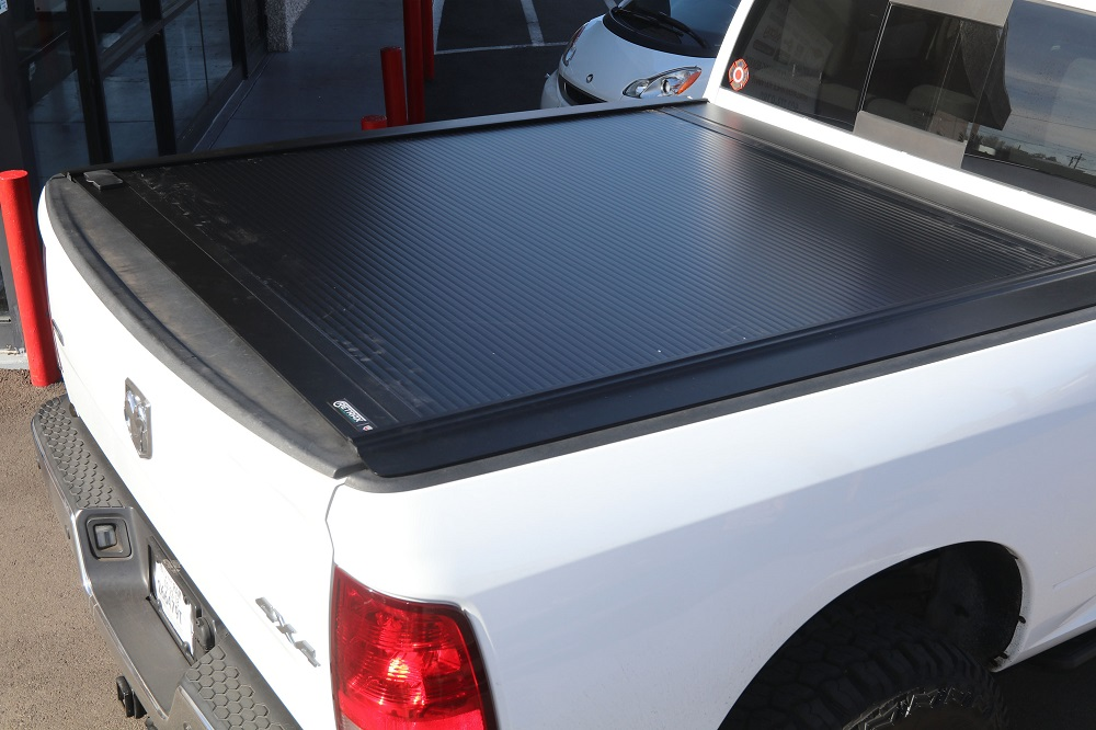 RETRACTABLE TRUCK BED COVERS