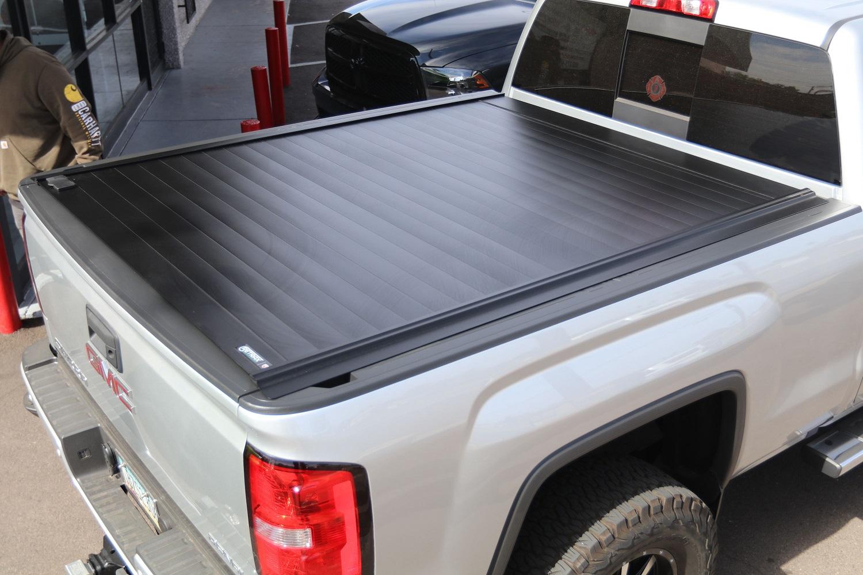 RETRAXPRO MX GMC Retractable Truck bed Cover