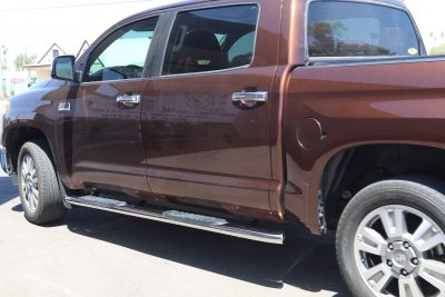 TOYOTA TUNDRA 5 INCH OVAL NERF BARS