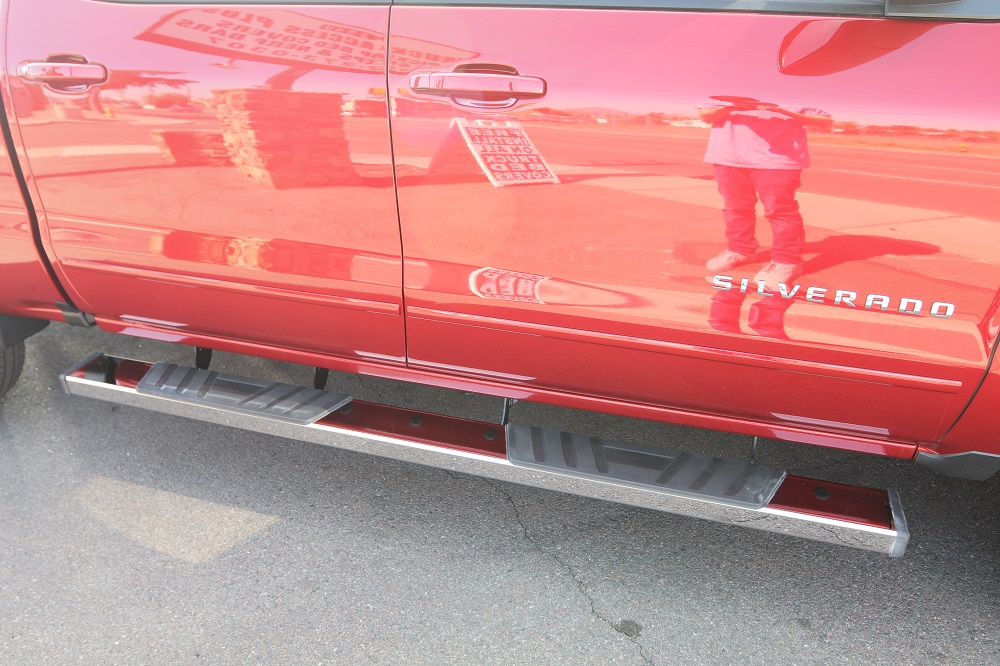 Chevy Silverado Crew Cab Running Boards 6 Inch Nerf bars