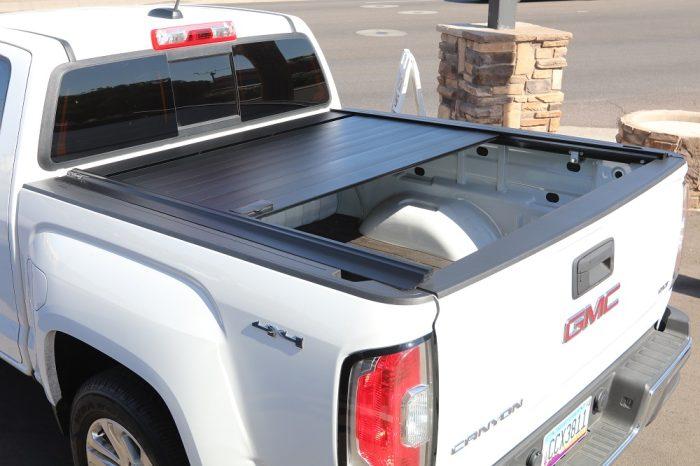 GMC Canyon RetraxPRO MX retractable truck bed cover