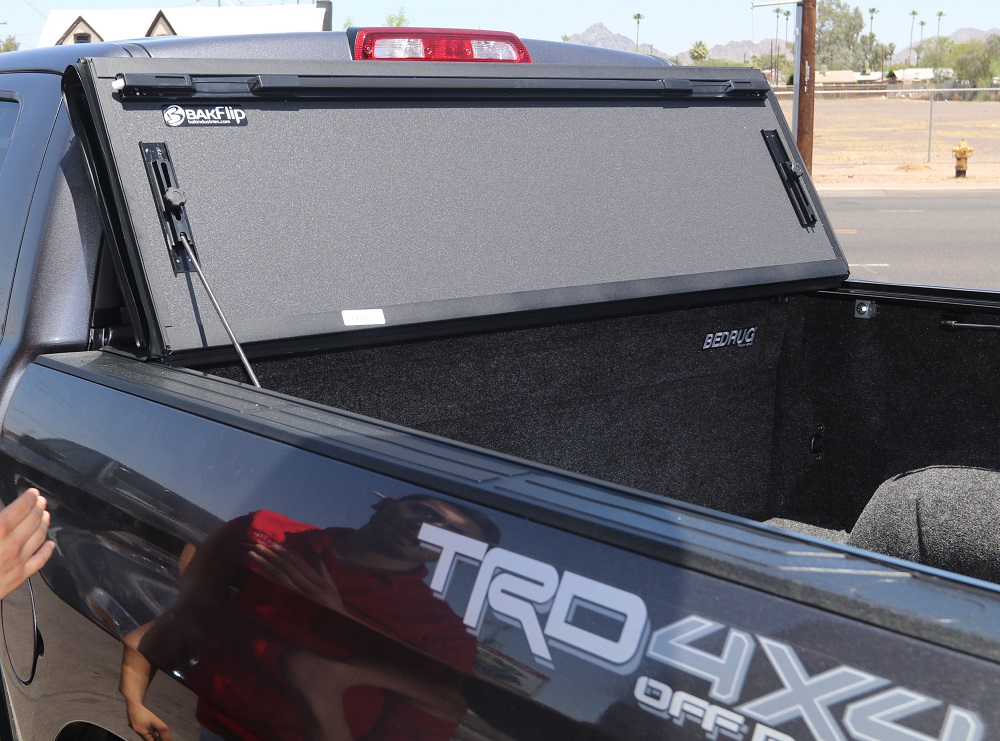 bakflip mx4 tonneau cover and bedrug liner
