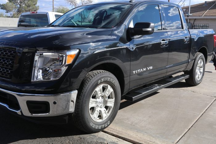 nissan titan 6 inch black running boards