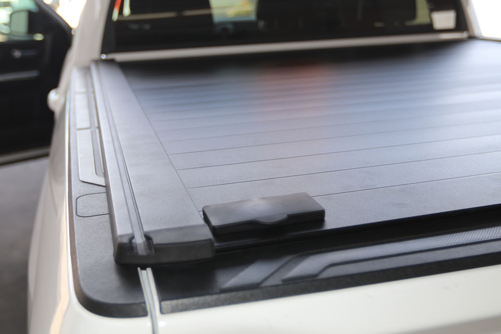 retraxpro xr toyota tundra retractable tonneau cover