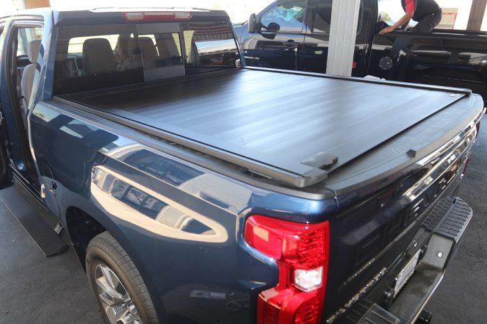 2019 Chevy Silverado Truck Bed Cover RetraxPRO XR